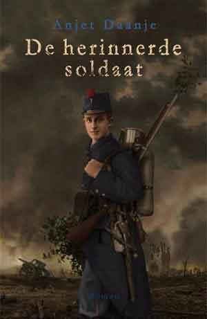 Anjet Daanje De herinnerde soldaat Recensie