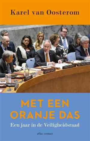 Karel van Oosterom Met een oranje das Recensie
