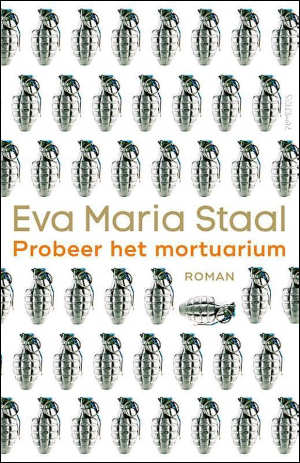 Eva Maria Staal Probeer het mortuarium Recensie