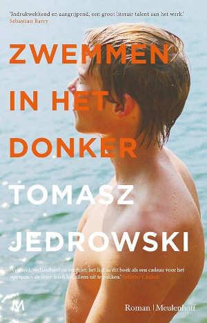Tomasz Jedrowski Zwemmen in het donker Recensie