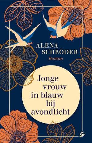 Alena Schröder Jonge vrouw in blauw bij avondlicht Recensie